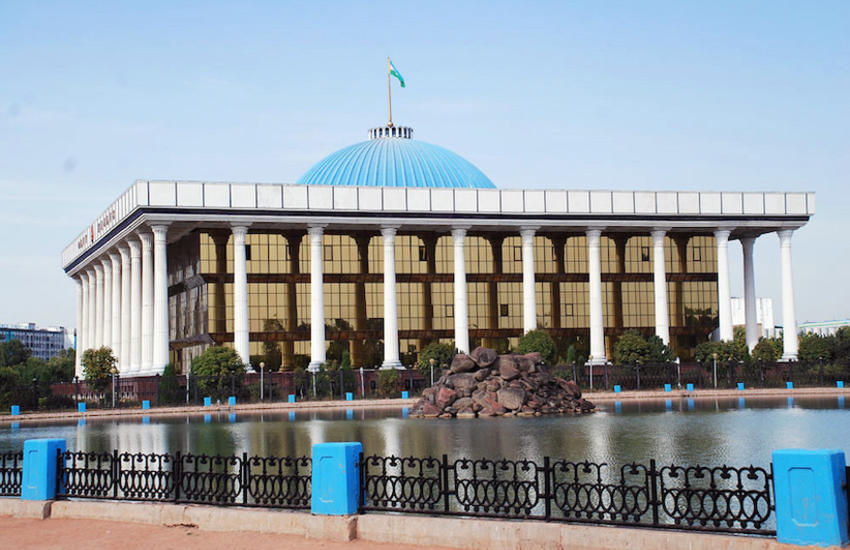 özbekistan parlemente building